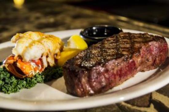 Okeechobee Steak House: Steak & Lobster