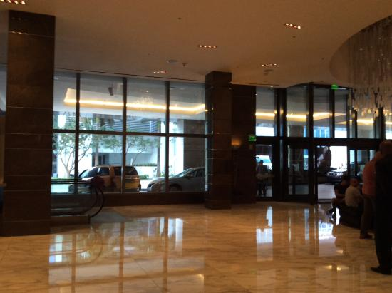 JW Marriott Marquis Miami: The lobby