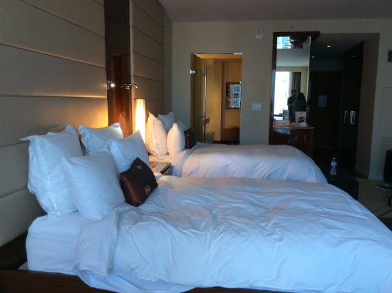 JW Marriott Marquis Miami: Double beds