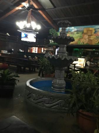 San Lorenzo de Flores, Costa Rica: IMG_20160122_191959_large.jpg