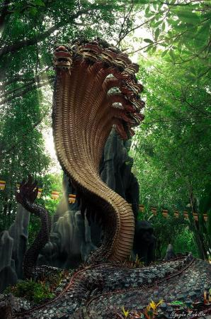 Suoi Tien Theme Park: Snake God