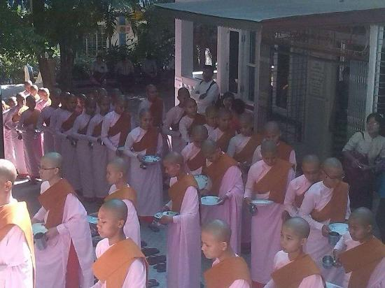 Dha Kya Di Tar Convent: Lunch at 11:00 AM