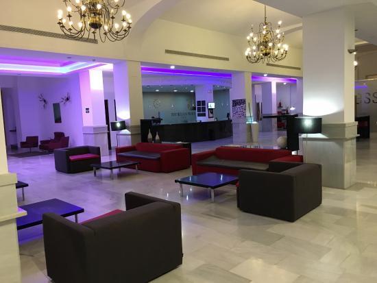 Tryp Melilla Puerto Hotel Photo