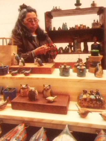 PuertoMontt-Excursiones: pottery at the Puerto Varas craft market