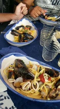 Cozzechella Lungomare: La cucina di Cozzechella