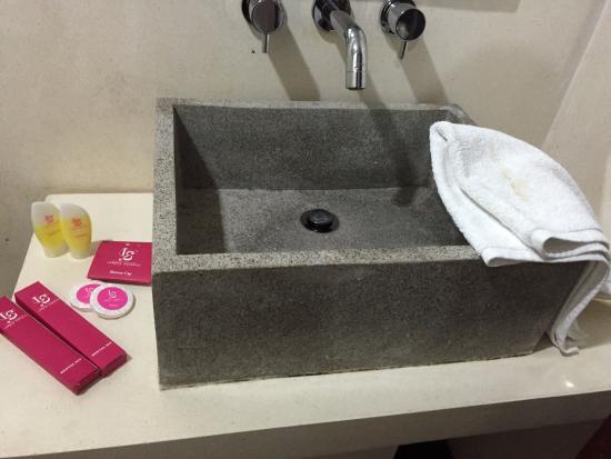 Lombok Senggigi Hotel: bathroom