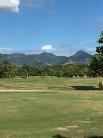 Campo de Golf Ixtapa: Hole 9 Par 4 with a great panorama of the Sierra Madre mountains