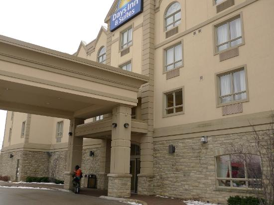 king suite hot tub picture of days inn suites by wyndham rh tripadvisor ca