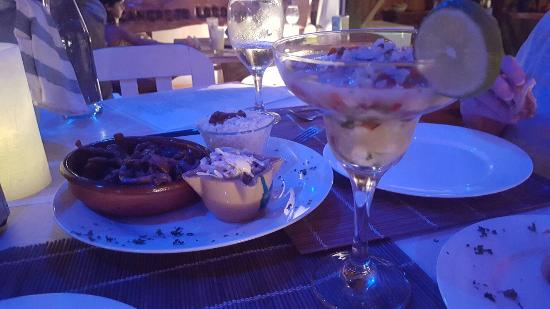 El Cangrejo Loco de Cahuita: The ceviche is fabulous! We had such a great time here. The food, ambience and service is a must