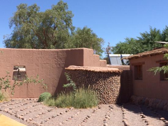 Altiplanico Atacama: View towards the entrance from reception.