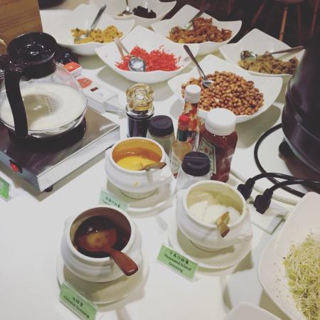 Kiwi Express Hotel – Chenggong Rd: 自助早餐