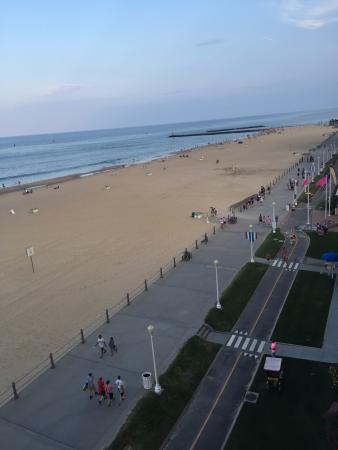 Фотография Beach Quarters Resort