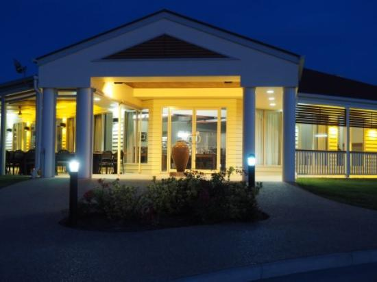 Pittsworth Motor Inn: Evening -Restaurant