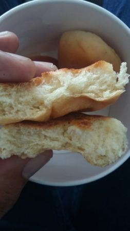 Baked Potato Batata Inglesa: Pão de batata era para ser recheado com requeijão e veio sem nada...
