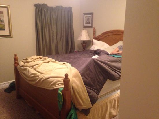 Accommodations Niagara Bed and Breakfast: photo1.jpg