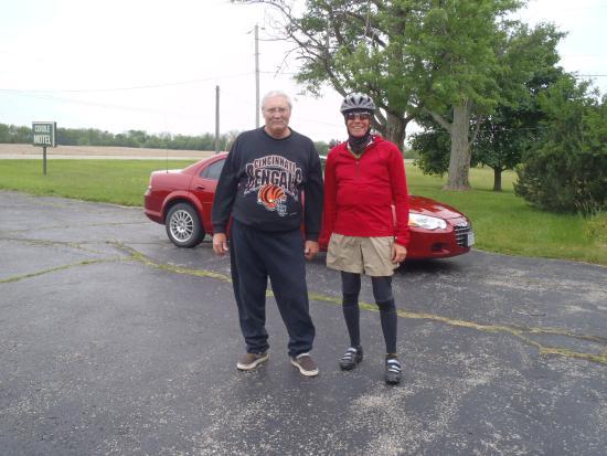 Cordle Motel: Gary and Mr. Cordle of Cordle's Motel