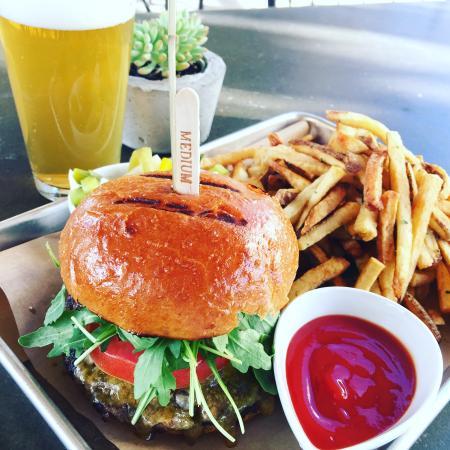 Industry Bar & Grill: Industry Burger