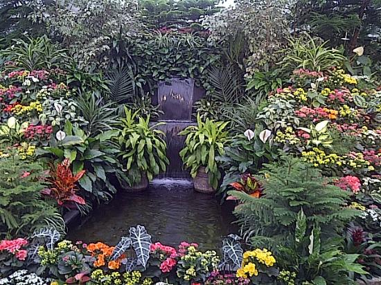 Butchart Gardens Victoria British Columbia Canada Picture Of The Butchart Gardens Central