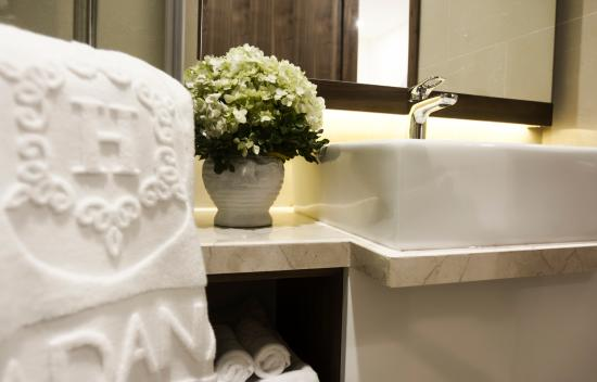 Hadana Boutique Hotel: Superior Double - Bathroom
