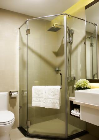 Hadana Boutique Hotel: Superior Bathroom