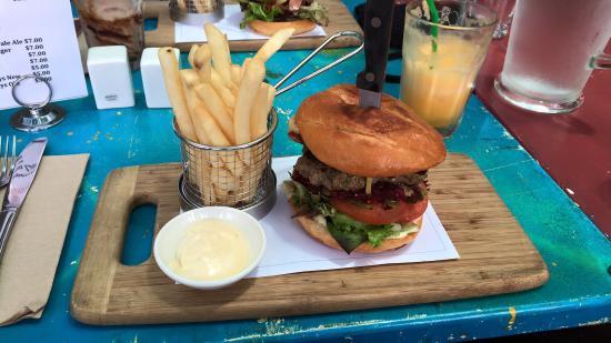 Fingal Bay, Αυστραλία: Great Burgers!