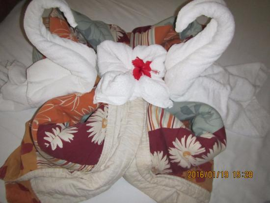 Memories Caribe Beach Resort: decorations by the cleaner