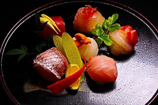 SASAGAWA Japanese Restaurant: Temari Sushi
