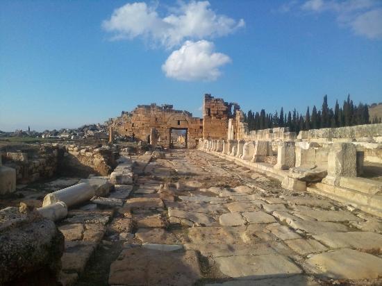 Hierapolis & Pamukkale - Picture of Hierapolis & Pamukkale ...