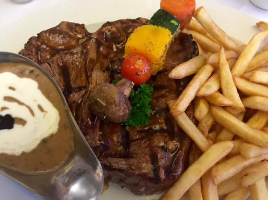 Table View, Südafrika: Classic T-bone & pepper sauce