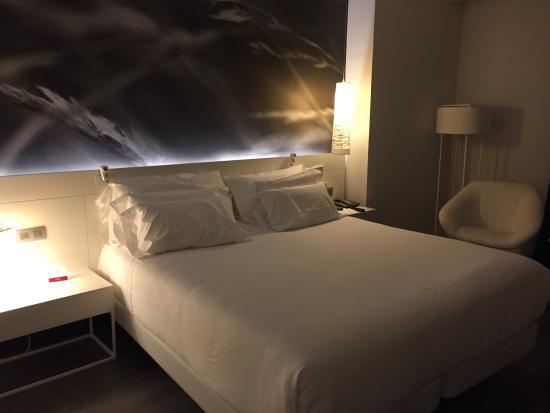 Sonar En Un Baño Orinando:Impresionante! La cama un sueño Y el baño enorme y súper limpio y