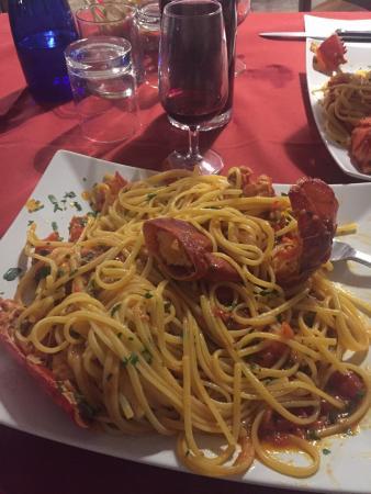 Verres, Ιταλία: Locale con tappa obbligatoria .mangiato benissimo con prezzi giusti consiglio di provare questo