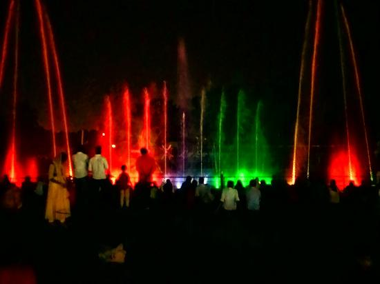 Kalamassery, Indien: Musical fountain