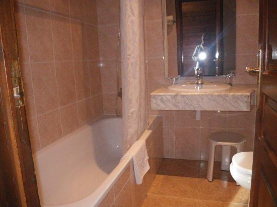 Garona Hotel Photo