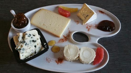 Saint-Pons-de-Thomieres, França: Assiette de Fromage