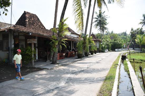 photo0 jpg picture of d omah hotel yogyakarta sewon tripadvisor rh tripadvisor co za