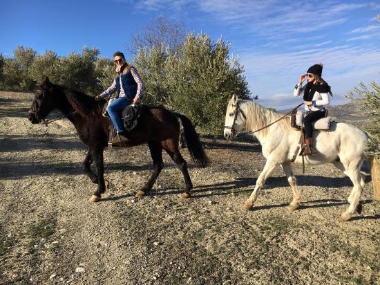 Colomera, إسبانيا: Atravesando campo