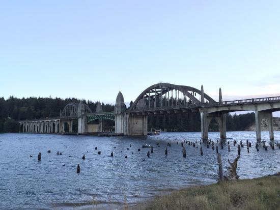ฟลอเรนซ์, ออริกอน: Bridge over water