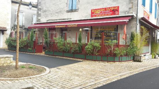 Saint-Astier, Francia: Le restaurant Tan Dat de jour