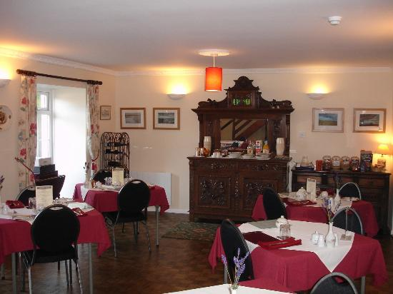 Leworthy Farmhouse: Guests breakfast room