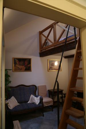 Hotel Residence Retezova: при входе в гостиную