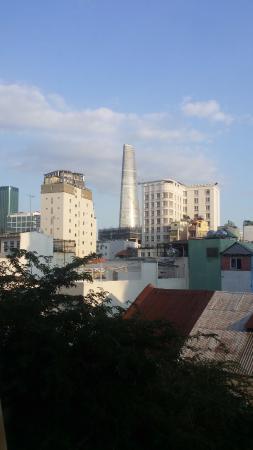 Ellyse Nga Khanh Hotel: вид из окна