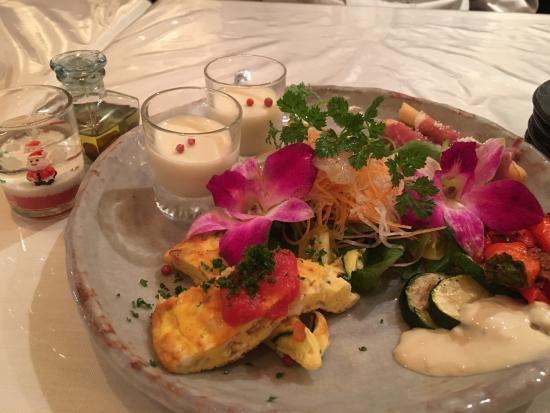 Kawanishi, Japón: ペアセットの前菜です