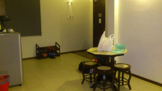 Ritz Garden Hotel: dining area