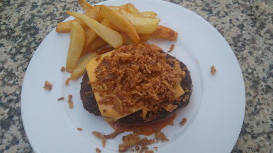 El Bosque, สเปน: Hamburguesa de buey y rulo de bacon al px.