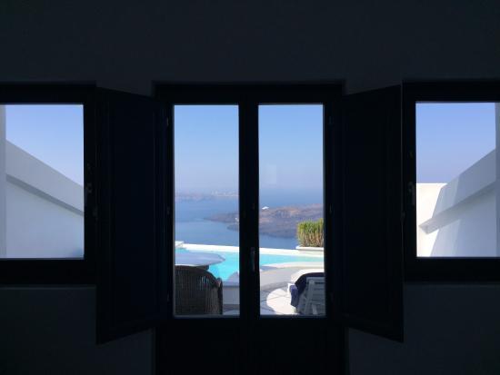 Anteliz Suites: View from room doors closed