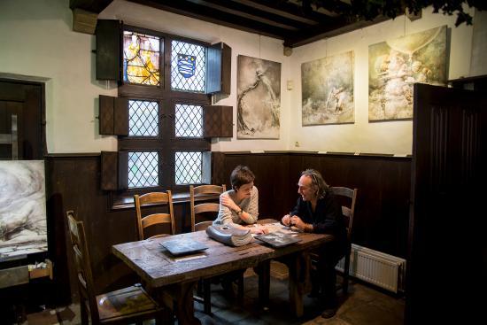 Nuit Blanche: мастерская и стол для завтрака