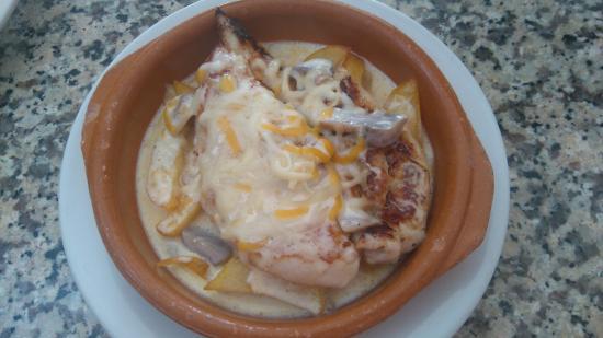 El Bosque, Spanien: Solomillo de pollo gratinado