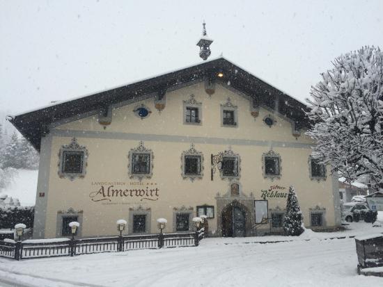Landgasthof-Hotel Almerwirt: kouzelně zasněžený