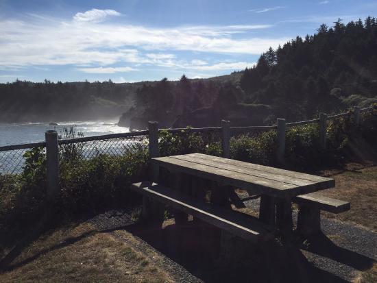 Depoe Bay, OR: Picnic bench