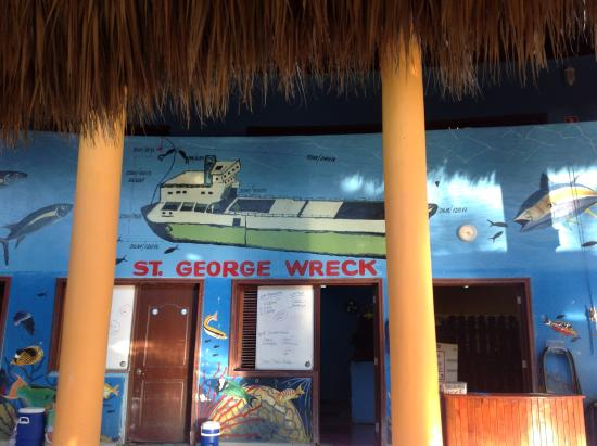 Bayahibe, Den Dominikanske Republik: Painting at the club showing the details of the St.George Shipwreck